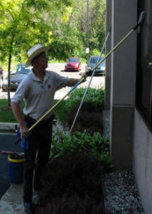 Jim Willingham... The Legend; demonstrating how window cleaning is done